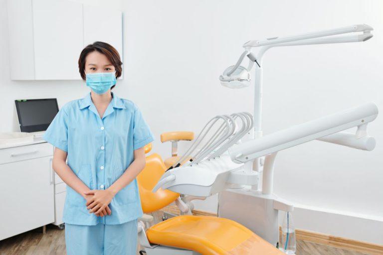 nurse-of-dental-clinic-EN37CSV